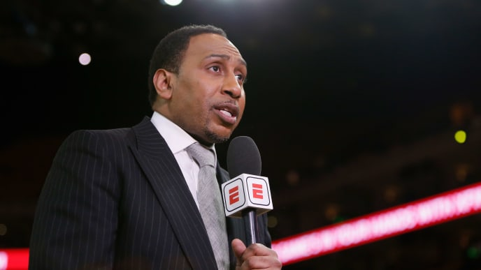 OAKLAND, CALIFORNIA - MAY 08: TV analyst Stephen A. Smith reports from court side before Game Five of the Western Conference Semifinals of the 2019 NBA Playoffs at ORACLE Arena on May 08, 2019 in Oakland, California. NOTE TO USER: User expressly acknowledges and agrees that, by downloading and or using this photograph, User is consenting to the terms and conditions of the Getty Images License Agreement. (Photo by Lachlan Cunningham/Getty Images)