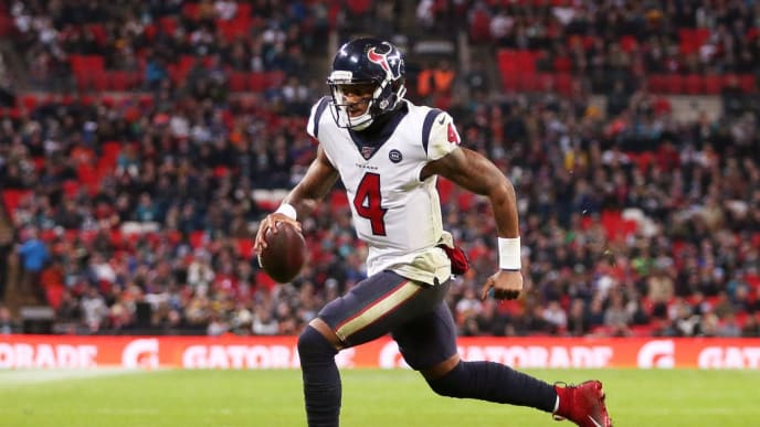 LONDON, ENGLAND - NOVEMBER 03: Deshaun Watson #4 of the Houston Texans runs with the ball during the NFL match between the Houston Texans andJacksonville Jaguars at Wembley Stadium on November 03, 2019 in London, England. (Photo by Jack Thomas/Getty Images)