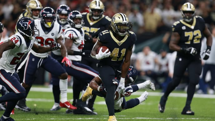 NEW ORLEANS, LOUISIANA - SEPTEMBER 09: Alvin Kamara #41 of the New Orleans Saints runs the ball against the Houston Texans during a NFL game at the Mercedes Benz Superdome on September 09, 2019 in New Orleans, Louisiana. (Photo by Sean Gardner/Getty Images)