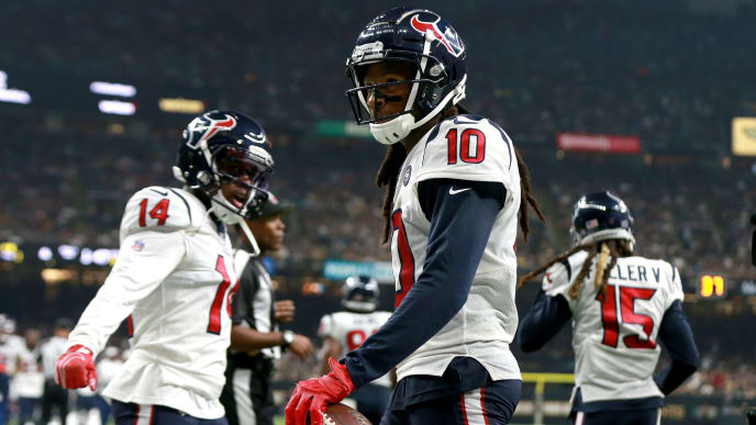 NEW ORLEANS, LOUISIANA - SEPTEMBER 09: DeAndre Hopkins #10 of the Houston Texans reacts after scoring a touchdown against the New Orleans Saints during a NFL game at the Mercedes Benz Superdome on September 09, 2019 in New Orleans, Louisiana. (Photo by Sean Gardner/Getty Images)