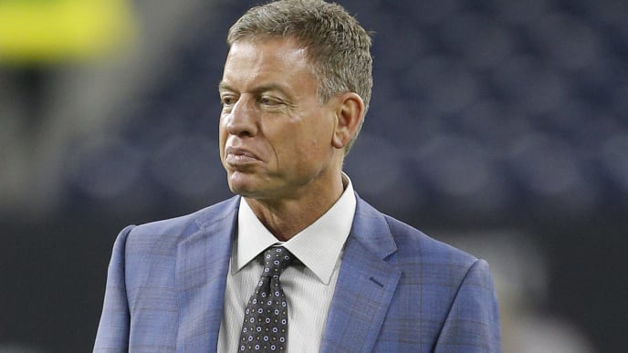 Troy Aikman appeared to take a shot at Jerry Jones for his unrealistic expectations of the Cowboys.