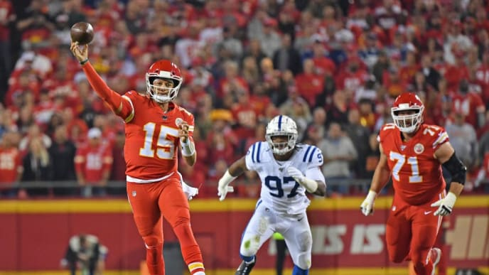 KANSAS CITY, MO - OCTOBER 06: Quarterback Patrick Mahomes #15 of the Kansas City Chiefs throws a pass downd field against the Indianapolis Colts during the first half at Arrowhead Stadium on October 6, 2019 in Kansas City, Missouri. (Photo by Peter Aiken/Getty Images)