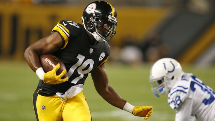 PITTSBURGH, PA - AUGUST 26:  JuJu Smith-Schuster #19 of the Pittsburgh Steelers in action against the Indianapolis Colts during a preseason game on August 26, 2017 at Heinz Field in Pittsburgh, Pennsylvania.  (Photo by Justin K. Aller/Getty Images)