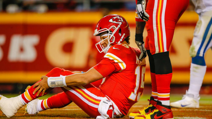 KANSAS CITY, MO - OCTOBER 06: Patrick Mahomes #15 of the Kansas City Chiefs grimaces in pain during the third quarter against the Indianapolis Colts at Arrowhead Stadium on October 6, 2019 in Kansas City, Missouri. (Photo by David Eulitt/Getty Images)