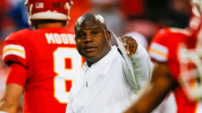 KANSAS CITY, MO - OCTOBER 06: Offensive coordinator Eric Bieniemy of the Kansas City Chiefs speaks to his players during pregame warm-ups prior to action against the Indianapolis Colts at Arrowhead Stadium on October 6, 2019 in Kansas City, Missouri. (Photo by David Eulitt/Getty Images)