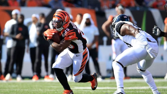 CINCINNATI, OHIO - OCTOBER 20:   Giovani Bernard #25 of the Cincinnati Bengals runs with the ball during the game against the Jacksonville Jaguars at Paul Brown Stadium on October 20, 2019 in Cincinnati, Ohio. (Photo by Andy Lyons/Getty Images)