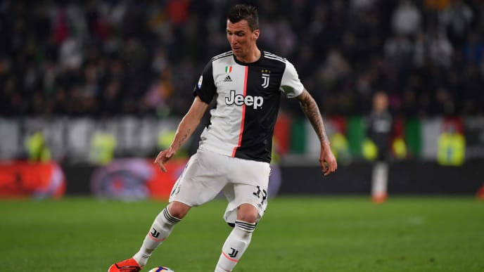 TURIN, ITALY - MAY 19: Mario Mandzukic of Juventus in action during the Serie A match between Juventus and Atalanta BC on May 19, 2019 in Turin, Italy. (Photo by Tullio M. Puglia/Getty Images)