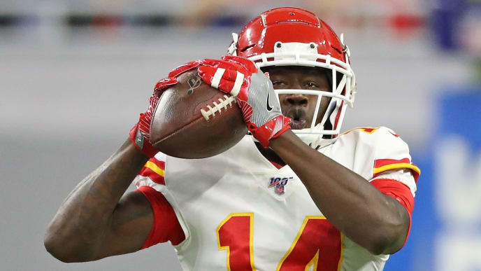 DETROIT, MI - SEPTEMBER 29: Sammy Watkins #14 of the Kansas City Chiefs makes the catch during the fourth quarter of the game against the Detroit Lions at Ford Field on September 29, 2019 in Detroit, Michigan. Kansas City defeated Detroit 34-30. (Photo by Leon Halip/Getty Images)