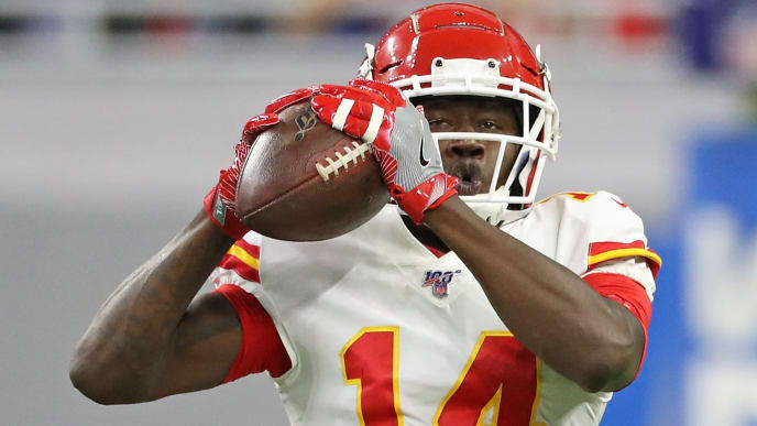 DETROIT, MI - SEPTEMBER 29: Sammy Watkins #14 of the Kansas City Chiefs makes the catch during the first quarter of the game against the Detroit Lions at Ford Field on September 29, 2019 in Detroit, Michigan (Photo by Leon Halip/Getty Images)