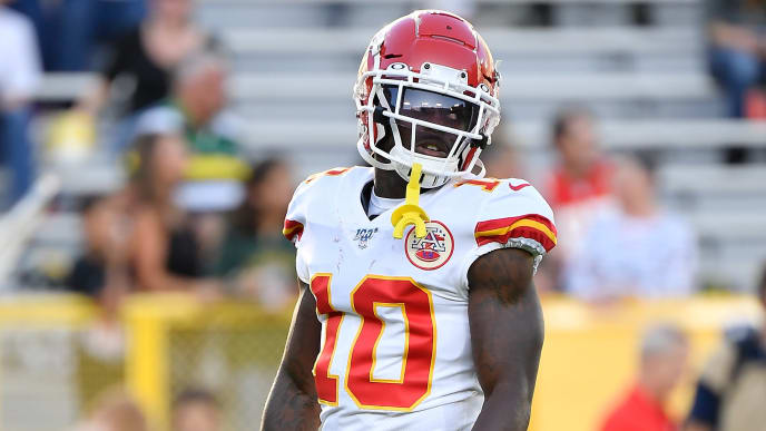 GREEN BAY, WISCONSIN - AUGUST 29:  Tyreek Hill #10 of the Kansas City Chiefs warms up before a preseason game against the Green Bay Packers at Lambeau Field on August 29, 2019 in Green Bay, Wisconsin. (Photo by Quinn Harris/Getty Images)