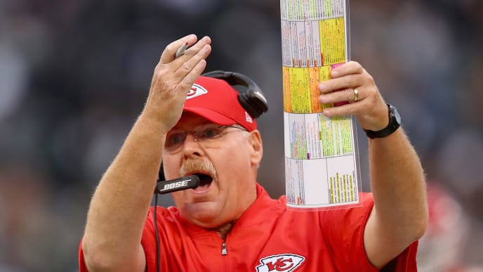OAKLAND, CA - OCTOBER 19:  Head coach Andy Reid of the Kansas City Chiefs stands on the sidelines during their game against the Oakland Raiders at Oakland-Alameda County Coliseum on October 19, 2017 in Oakland, California.  (Photo by Ezra Shaw/Getty Images)