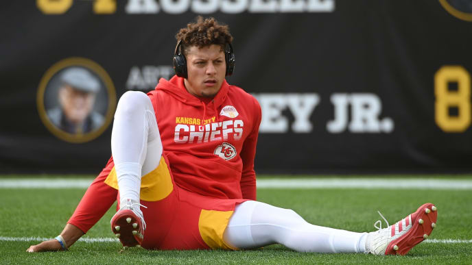 PITTSBURGH, PA - AUGUST 17: Patrick Mahomes #15 of the Kansas City Chiefs warms up before a preseason game against the Pittsburgh Steelers at Heinz Field on August 17, 2019 in Pittsburgh, Pennsylvania. (Photo by Justin Berl/Getty Images)