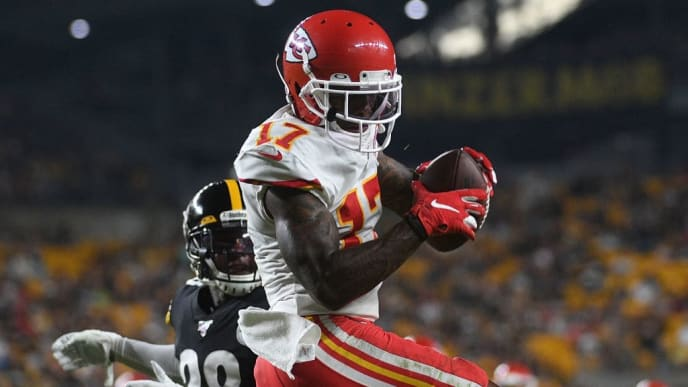PITTSBURGH, PA - AUGUST 17: Mecole Hardman #17 of the Kansas City Chiefs catches a pass for a 17 yard touchdown in the second quarter during a preseason game against the Pittsburgh Steelers at Heinz Field on August 17, 2019 in Pittsburgh, Pennsylvania. (Photo by Justin Berl/Getty Images)