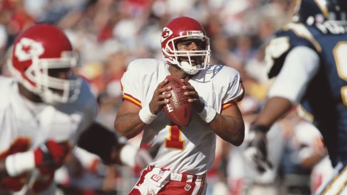 Warren Moon #1, Quarterback for the Kansas City Chiefs  during the American Football Conference West game against the San Diego Chargers on 26 November 2000 at the Qualcomm Stadium, San Diego, California, United States. The Chargers won the game 17 - 16.  (Photo by Stephen Dunn/Getty Images)