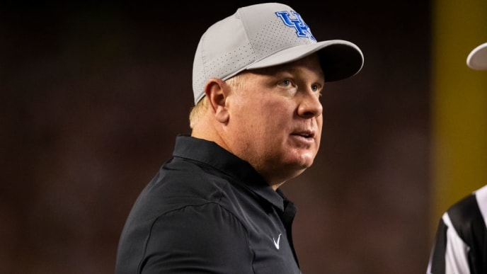 COLUMBIA, SC - SEPTEMBER 28: Head coach Mark Stoops of the Kentucky Wildcats looks on during the first half of a game against the South Carolina Gamecocks at Williams-Brice Stadium on September 28, 2019 in Columbia, South Carolina. (Photo by Carmen Mandato/Getty Images)