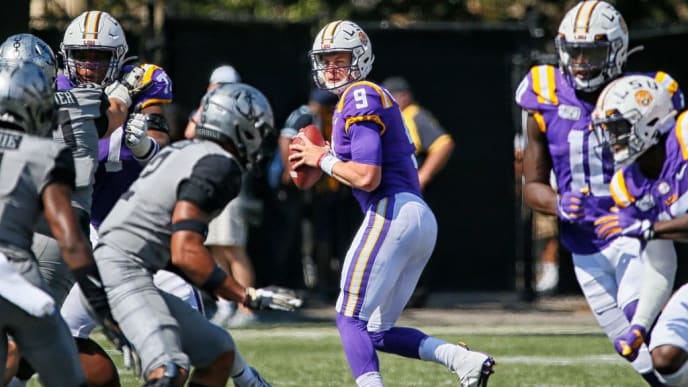 NASHVILLE, TENNESSEE - SEPTEMBER 21:  Quarterback Joe Burrow #9 of the LSU Tigers drops back to throw against the Vanderbilt Commodores during the second half at Vanderbilt Stadium on September 21, 2019 in Nashville, Tennessee. (Photo by Frederick Breedon/Getty Images)