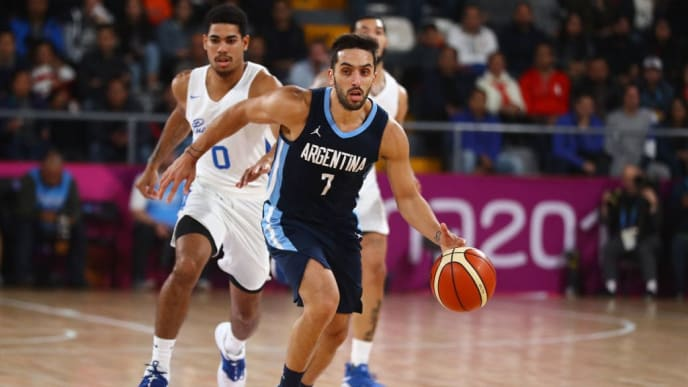 LIMA, PERU - AUGUST 04: Facundo Campazzo of Argentina of controls the ball during Men's Basketball Gold Medal match Argentina and Puerto Rico on Day 9 of Lima 2019 Pan American Games at Eduardo Dibós Coliseum on Day 9 of Lima 2019 Pan American Games on August 04, 2019 in Lima, Peru. (Photo by Daniel Apuy/Getty Images)