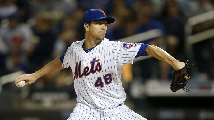 NEW YORK, NEW YORK - SEPTEMBER 14: Jacob deGrom #48 of the New York Mets pitches during the first inning against the Los Angeles Dodgers at Citi Field on September 14, 2019 in New York City. (Photo by Jim McIsaac/Getty Images)