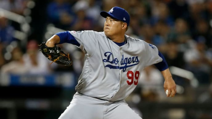 NEW YORK, NEW YORK - SEPTEMBER 14: Hyun-Jin Ryu #99 of the Los Angeles Dodgers pitches during the third inning against the New York Mets at Citi Field on September 14, 2019 in New York City. (Photo by Jim McIsaac/Getty Images)