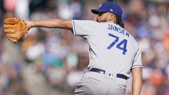 SAN FRANCISCO, CALIFORNIA - SEPTEMBER 28: Kenley Jansen #74 of the Los Angeles Dodgers pitches against the San Francisco Giants in the bottom of the ninth inning at Oracle Park on September 28, 2019 in San Francisco, California. (Photo by Thearon W. Henderson/Getty Images)