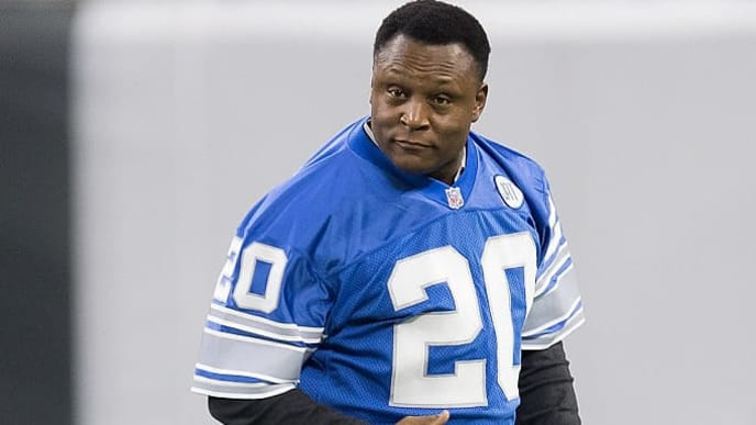 DETROIT, MI - OCTOBER 16: Former running back Barry Sanders #20 of the Detroit Lions runs on the field prior to an NFL game against the Los Angeles Rams at Ford Field on October 16, 2016 in Detroit, Michigan. (Photo by Dave Reginek/Getty Images)
