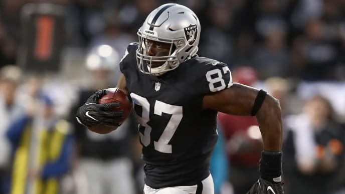 OAKLAND, CA - SEPTEMBER 10:  Jared Cook #87 of the Oakland Raiders in action against the Los Angeles Rams at Oakland-Alameda County Coliseum on September 10, 2018 in Oakland, California.  (Photo by Ezra Shaw/Getty Images)