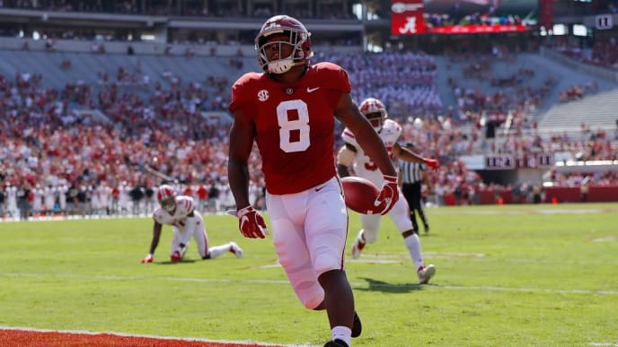 TUSCALOOSA, AL - SEPTEMBER 29:  Josh Jacobs #8 of the Alabama Crimson Tide rushes for a touchdown against the Louisiana Ragin Cajuns at Bryant-Denny Stadium on September 29, 2018 in Tuscaloosa, Alabama.  (Photo by Kevin C. Cox/Getty Images)