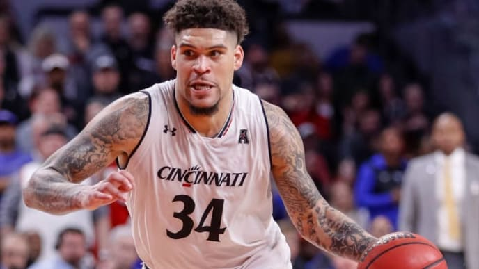 CINCINNATI, OH - MARCH 02: Jarron Cumberland #34 of the Cincinnati Bearcats drives to the basket during the game against the Memphis Tigers at Fifth Third Arena on March 2, 2019 in Cincinnati, Ohio. (Photo by Michael Hickey/Getty Images)