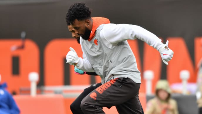 CLEVELAND, OH - NOVEMBER 24:  Jarvis Landry #80 of the Cleveland Browns warms up before a game against the Miami Dolphins at FirstEnergy Stadium on November 24, 2019 in Cleveland, Ohio.  (Photo by Jamie Sabau/Getty Images)