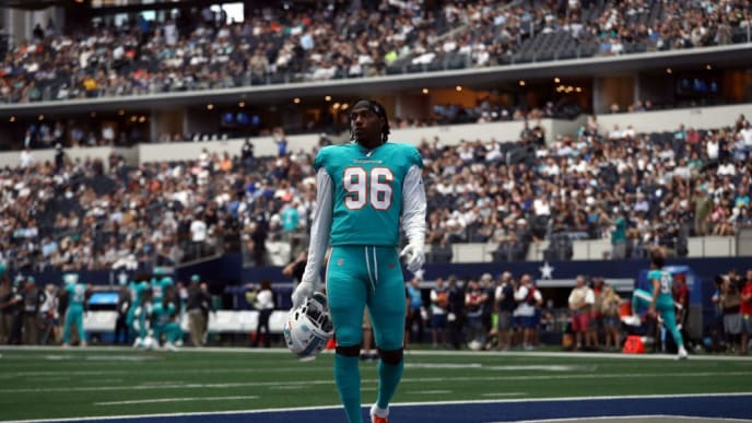 ARLINGTON, TEXAS - SEPTEMBER 22:  Taco Charlton #96 of the Miami Dolphins before a game against the Dallas Cowboys at AT&T Stadium on September 22, 2019 in Arlington, Texas. (Photo by Ronald Martinez/Getty Images)