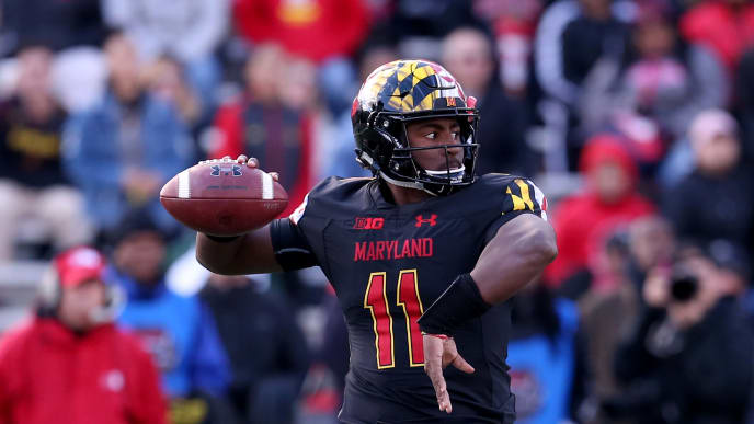 COLLEGE PARK, MD - NOVEMBER 03: Kasim Hill #11 of the Maryland Terrapins passes against the Michigan State Spartans during the first half at Capital One Field on November 3, 2018 in College Park, Maryland. (Photo by Will Newton/Getty Images)