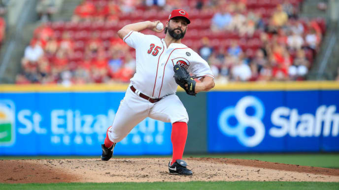CINCINNATI, OHIO - JULY 02:   Tanner Roark #35 of the Cincinnati Reds throws a pitch against the Milwaukee Brewers at Great American Ball Park on July 02, 2019 in Cincinnati, Ohio. (Photo by Andy Lyons/Getty Images)
