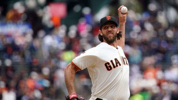 SAN FRANCISCO, CALIFORNIA - JUNE 15: Madison Bumgarner #40 of the San Francisco Giants pitches during the first inning against the Milwaukee Brewers at Oracle Park on June 15, 2019 in San Francisco, California. (Photo by Daniel Shirey/Getty Images)