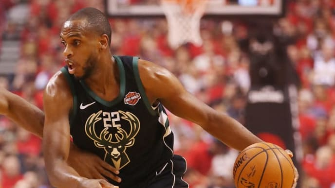 TORONTO, ONTARIO - MAY 25: Khris Middleton #22 of the Milwaukee Bucks dribbles during the first half against the Toronto Raptors in game six of the NBA Eastern Conference Finals at Scotiabank Arena on May 25, 2019 in Toronto, Canada. NOTE TO USER: User expressly acknowledges and agrees that, by downloading and or using this photograph, User is consenting to the terms and conditions of the Getty Images License Agreement. (Photo by Gregory Shamus/Getty Images)