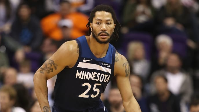 PHOENIX, ARIZONA - JANUARY 22:  Derrick Rose #25 of the Minnesota Timberwolves handles the ball during the first half of the NBA game against the Phoenix Suns  at Talking Stick Resort Arena on January 22, 2019 in Phoenix, Arizona. (Photo by Christian Petersen/Getty Images)