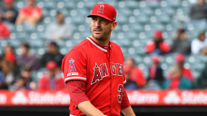 ANAHEIM, CA - MAY 23: Matt Harvey #33 of the Los Angeles Angels of Anaheim walks into the dugout after giving up six runs in the first inning to the Minnesota Twins at Angel Stadium of Anaheim on May 23, 2019 in Anaheim, California. (Photo by Jayne Kamin-Oncea/Getty Images)