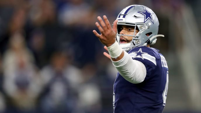 ARLINGTON, TEXAS - NOVEMBER 10: Dak Prescott #4 of the Dallas Cowboys reacts after throwing an incomplete pass against the Minnesota Vikings in the fourth quarter at AT&T Stadium on November 10, 2019 in Arlington, Texas. (Photo by Tom Pennington/Getty Images)