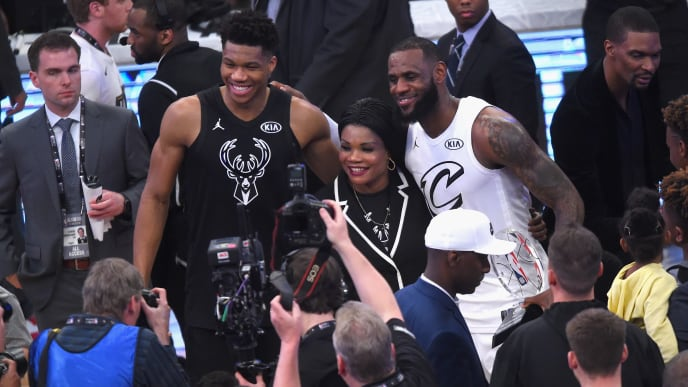 LOS ANGELES, CA - FEBRUARY 18:  Giannis Antetokounmpo and LeBron James pose for a photo during the NBA All-Star Game 2018 at Staples Center on February 18, 2018 in Los Angeles, California.  (Photo by Jayne Kamin-Oncea/Getty Images)