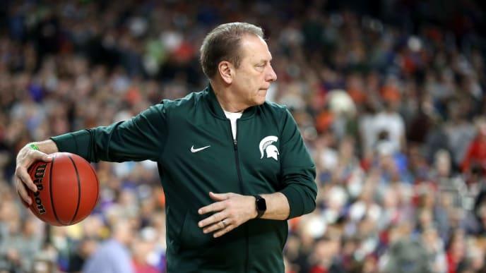 MINNEAPOLIS, MINNESOTA - APRIL 05: Head coach Tom Izzo of the Michigan State Spartans looks on during practice prior to the 2019 NCAA men's Final Four at U.S. Bank Stadium on April 5, 2019 in Minneapolis, Minnesota. (Photo by Streeter Lecka/Getty Images)