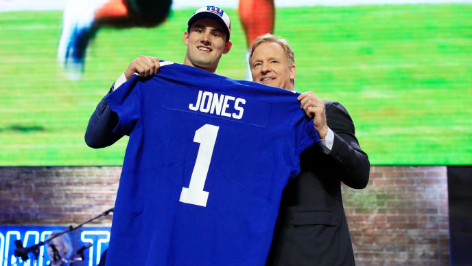 NASHVILLE, TENNESSEE - APRIL 25: Daniel Jones of Duke poses with NFL Commissioner Roger Goodell after being chosen #6 overall by the New York Giants during the first round of the 2019 NFL Draft on April 25, 2019 in Nashville, Tennessee. (Photo by Andy Lyons/Getty Images)