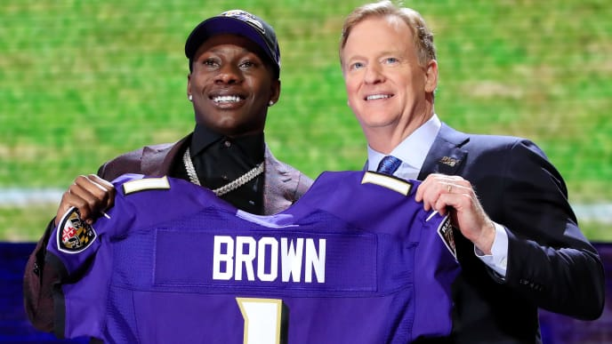 NASHVILLE, TENNESSEE - APRIL 25:  Marquise Brown of Oklahoma poses with NFL Commissioner Roger Goodell after being chosen #25 overall by the Baltimore Ravens during the first round of the 2019 NFL Draft on April 25, 2019 in Nashville, Tennessee. (Photo by Andy Lyons/Getty Images)