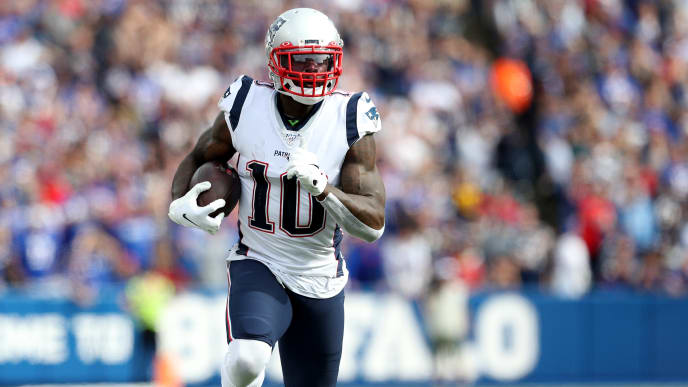 ORCHARD PARK, NEW YORK - SEPTEMBER 29: Josh Gordon #10 of the New England Patriots runs with the ball during the third quarter of a game against the Buffalo Bills at New Era Field on September 29, 2019 in Orchard Park, New York. (Photo by Bryan M. Bennett/Getty Images)