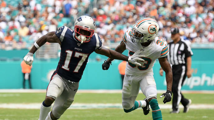 MIAMI, FLORIDA - SEPTEMBER 15: Antonio Brown #17 of the New England Patriots in action against the Miami Dolphins at Hard Rock Stadium on September 15, 2019 in Miami, Florida. (Photo by Mark Brown/Getty Images)