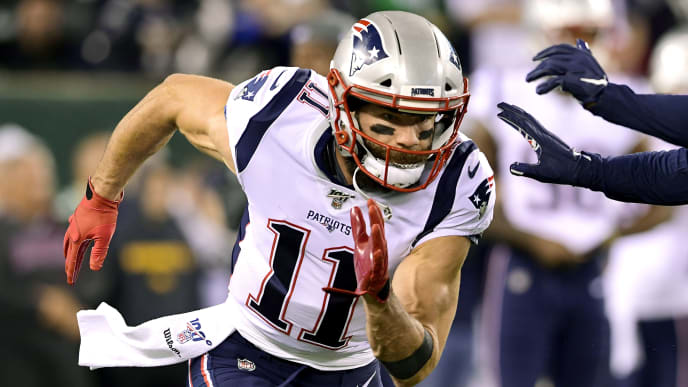 EAST RUTHERFORD, NEW JERSEY - OCTOBER 21:  Julian Edelman #11 of the New England Patriots warms up prior to the game against the New York Jets at MetLife Stadium on October 21, 2019 in East Rutherford, New Jersey. (Photo by Steven Ryan/Getty Images)
