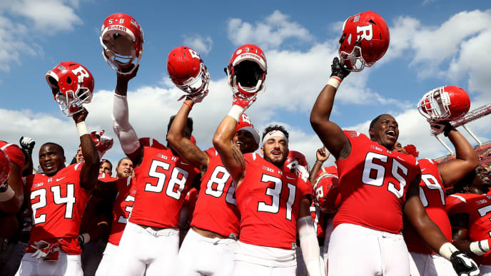 PISCATAWAY, NJ - SEPTEMBER 17: The Rutgers Scarlet Knights celebrate the win over New Mexico Lobos at High Point Solutions Stadium on September 17, 2016 in Piscataway, New Jersey.The Rutgers Scarlet Knights defeated the New Mexico Lobos 37-28.  (Photo by Elsa/Getty Images)