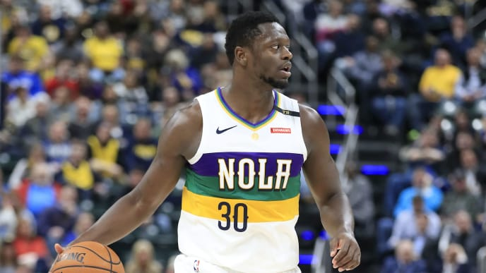 INDIANAPOLIS, INDIANA - FEBRUARY 22:   Julius Randle #30 of the New Orleans Pelicans dribbles the ball against the Indiana Pacers at Bankers Life Fieldhouse on February 22, 2019 in Indianapolis, Indiana. (Photo by Andy Lyons/Getty Images)