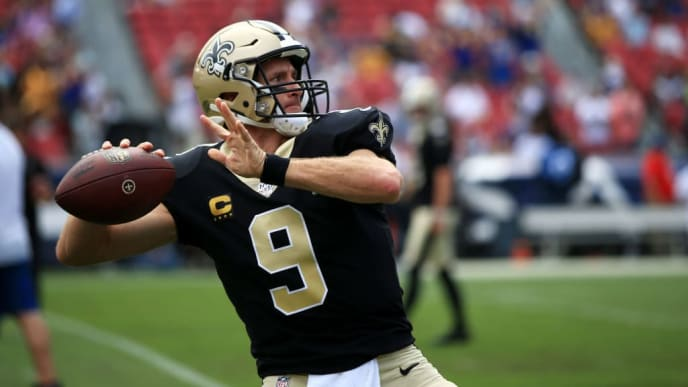 LOS ANGELES, CALIFORNIA - SEPTEMBER 15: Quarterback Drew Brees #9 of the New Orleans Saints warms up ahead of the game against the Los Angeles Rams at Los Angeles Memorial Coliseum on September 15, 2019 in Los Angeles, California. (Photo by Meg Oliphant/Getty Images)