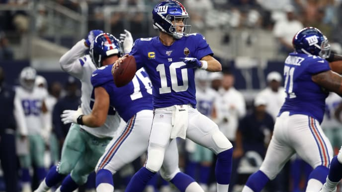 ARLINGTON, TEXAS - SEPTEMBER 08:  Eli Manning #10 of the New York Giants at AT&T Stadium on September 08, 2019 in Arlington, Texas. (Photo by Ronald Martinez/Getty Images)