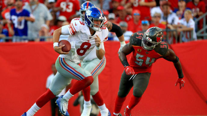 TAMPA, FLORIDA - SEPTEMBER 22: Daniel Jones #8 of the New York Giants scrambles during a game against the Tampa Bay Buccaneers at Raymond James Stadium on September 22, 2019 in Tampa, Florida. (Photo by Mike Ehrmann/Getty Images)