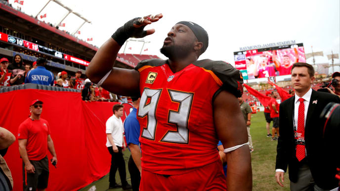 TAMPA, FL - NOVEMBER 12:  Defensive tackle Gerald McCoy #93 of the Tampa Bay Buccaneers blows a kiss to the crowd following the Buccaneers' 15-10 win over the New York Jets at an NFL football game on November 12, 2017 at Raymond James Stadium in Tampa, Florida. (Photo by Brian Blanco/Getty Images)